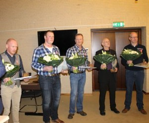 vijf-redders-A1-met-zilveren-medaille